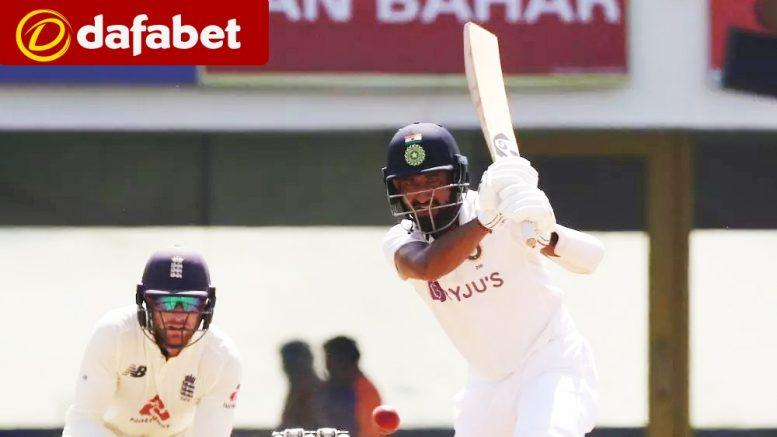 इंग्लैंड के खिलाफ पहला टेस्ट मैच खितने के खलए भारत को पांचवे दिन बनाने है 381 रन