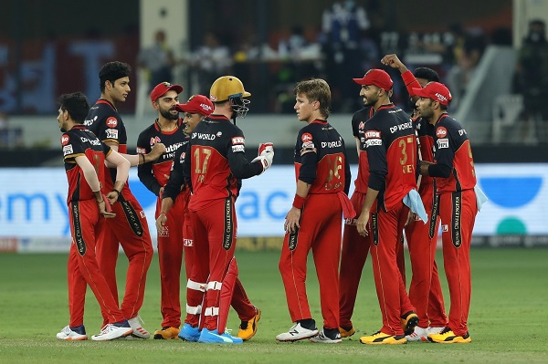 Royal Challengers Bangalore beat Mumbai Indians by 2 wickets in a last-ball thriller